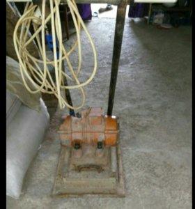 Виброплита электроическая