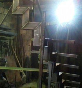 Изготовим металлические  лестницы уличные и внутри