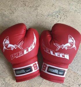 Боксерские перчатки (новые)