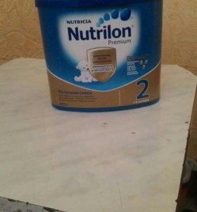 Молочная смесь Nutrilon 2