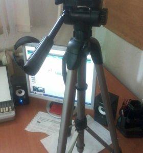 Штатив для фото и видео камер