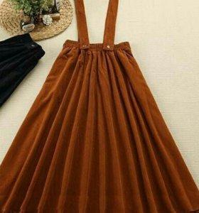 Вельветовая юбка горчичного цвета с карманами