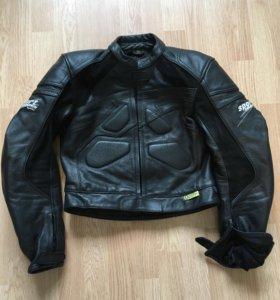 Продаю кожаный женский мотокостюм