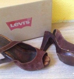 Levis туфли с открытой пяткой и носом,39 размер