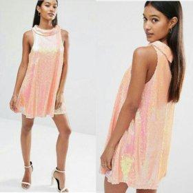 Платье фирмы Boohoo