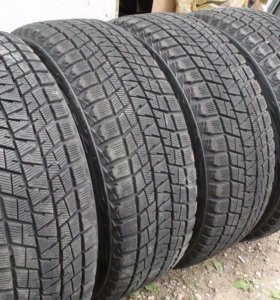 Комплект Bridgestone Blizzak DM-V1 235/55 R18