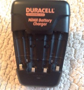 Зарядное устройство для аккумуляторов duracell