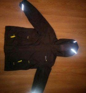 Куртка ветровка  с утеплителем на возраст 4-5 лет