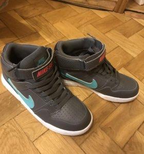 Кроссовки Nike, кожаные
