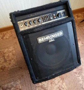 Комбоусилитель для бас гитары Behringer BXL 450