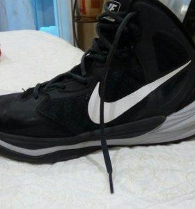 Кроссовки для занятий профбаскетболом