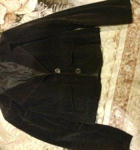 Комплект:блузка и пиджак