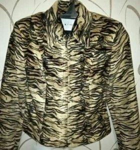 Пиджак - курточка в отличном состоянии