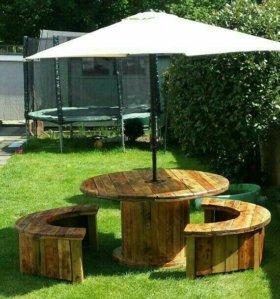 Креативный стол и скамейки
