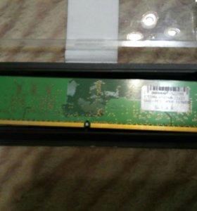 2 планкиОперативная память kingston ddr2 на 512 Mb