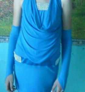 Платье и перчатки
