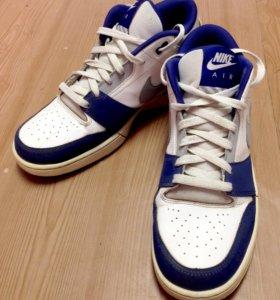 Nike Air Stepback