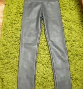 Серые кожаные штаны