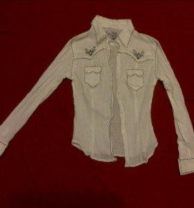 Блузка с вышивкой. На рост 150-156