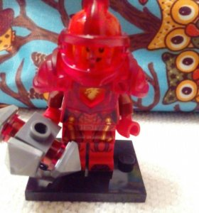 LEGO мини-фигурки Нексо Найтс