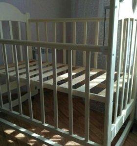 Кроватка детская, матрас, постельное бельё