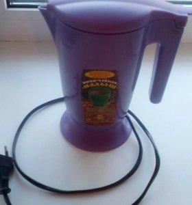 Электрический чайник на 600 мл.