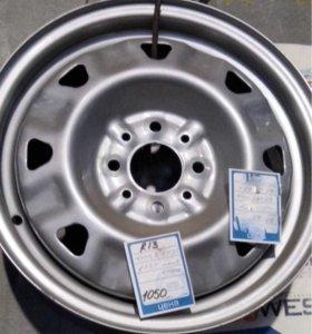 Зимние шипованные шины на штампованных дисках(13)