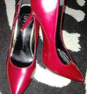 Новые туфли размер 38-39