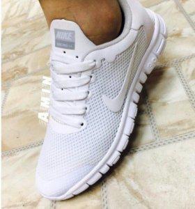 Новые кроссовки на лето