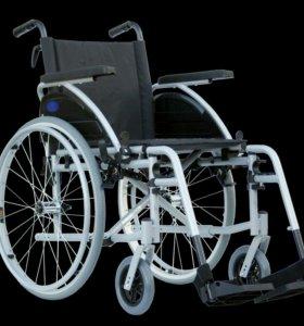 Инвалидная коляска, прикроватные унитазы.