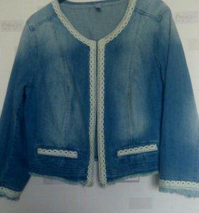Куртка джинсовая р 54-56. 900 рублей