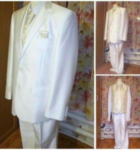 Свадебный костюм.