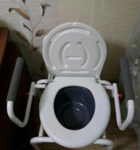 Кресло-туалет для инвалидов с съемным санитарным у