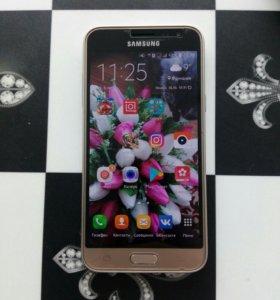 Телефон Samsung J3 2016