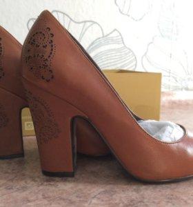 Срочно продам туфли, натуральная кожа