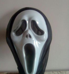 Продам маску ,,крик ,,