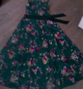 Новое платье длинное 44раз