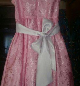 Платье для девочки размер 32