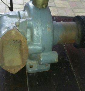 Помпа Маз двигатель ЯМЗ 238ДЕ+ сальник. Все новое