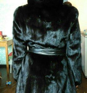 Норковая шуба с капюшоном,черная,42-44-46 размер.