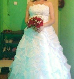 Продам Свадебное платье,серьги и браслет в подарок