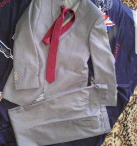 Фирменый костюм