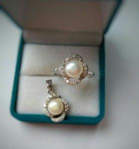 Женский серебряный набор (кольцо и кулон)