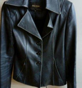 Кожаный пиджак р.40-42