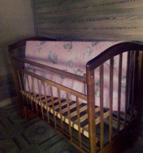 Срочно продаю детскую кроватку!!!