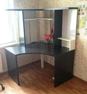 Рабочий стол (IKEA)