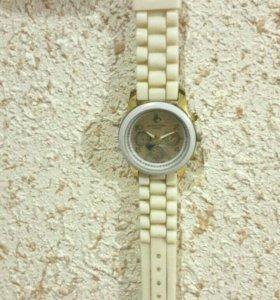 Часы (Michael Kors) и ожерелье