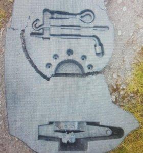 Буксировочный крюк, домкрат Nissan Primera P12