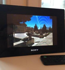 Цифровая фоторамка Sony DPF-D72