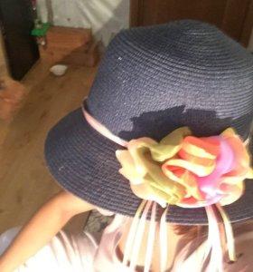 Шляпа на море